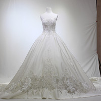 Luxury Wedding Dresses Embroidery Beading Long Train Bridal Gown Wedding Dress