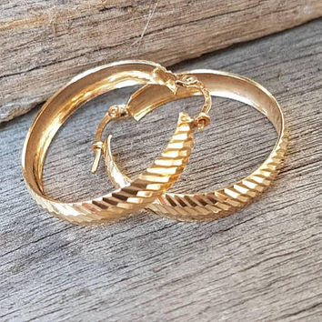 Vintage Large Hoop Earrings ,   9ct Gold Real Yellow Gold , Diamond Cut , Ladies Classic Gold Hoops , Unoaerre Italy , Gifts For Her