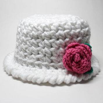White Women's Cloche, Crochet Hat With Flower, 1920's Style Flapper Hat, Chunky Knit Beanie, Winter Accessory