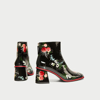 PRINTED FAUX PATENT HIGH HEEL ANKLE BOOTS DETAILS