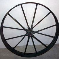 SOLD!  Antique Cast Iron Wagon Wheel Steampunk Garden Yard Art