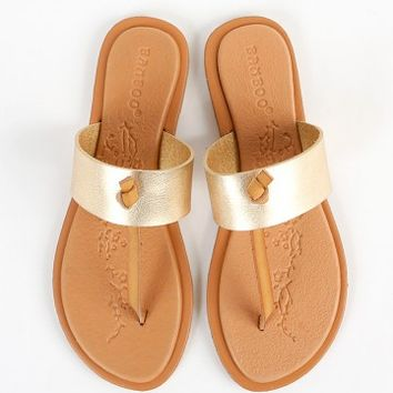 Bamboo Impart-07 Metallic Knot Thong Sandals | MakeMeChic.com