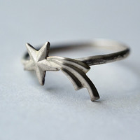 Shooting Star Ring Hammered Sterling Silver Ring by fifthheaven