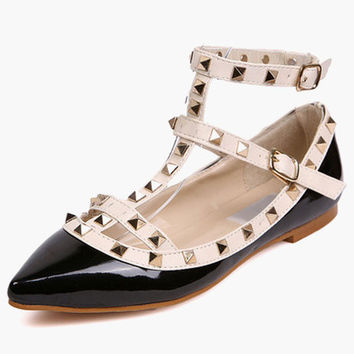 Beaded Pointed Flat Shoes