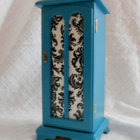 VINTAGE, Teal, turquoise painted Jewelry box with black and white damask detail. jewelry box. Girls room decor