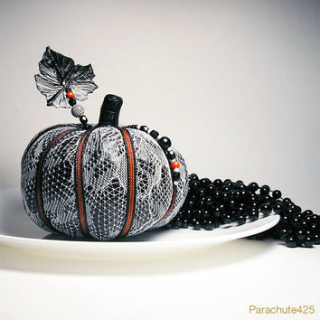 WHITE LACE PUMPKIN 2013 Collection
