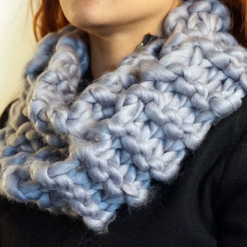 Made in Norway, Autumn Winter Soft Super chunky knit wool light grey infinity circle cowl scarf (SC00006)