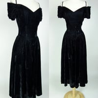 1980s black velvet dress, off shoulder fit and flare winter witchy goth dress, Small, 6