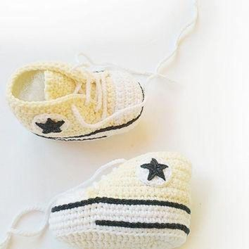 CREYUG7 Champagne crochet baby shoes, Converse baby shoes, Converse slippers, Crochet booties,