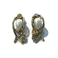 1950s Earrings, 1960s Earrings, Faux Pearl and Rhinestone Silver Tone Clip Back Earrings, Wedding Bridal Jewelry