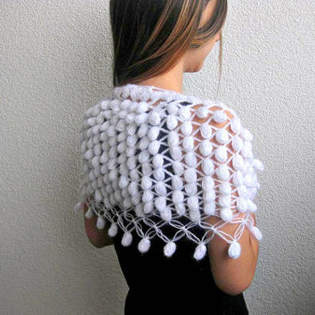 Capelet, Wrap, Shawl, Scarf in White, Cozy, Knitted,  Wedding, Glitter, Shiny