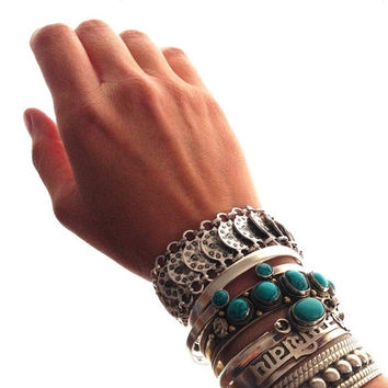 Bohemian Sillver Ethnic Gypsy Chic Coin Bracelet Wide Coin Costume Jewelry (Size: 34 g, Color: Silver)