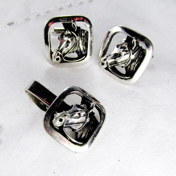 Children Horse Head Cuff Link Set  With Tie Tack In Silver Tone Equestrian Cowboy Vintage Collectible Gift Item 944