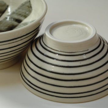 Striped clay bowls,nesting bowls,2 pottery bowls,pottery serving bowl,black white bowl,two stacking bowls,stoneware bowl,cereal soup bowl,