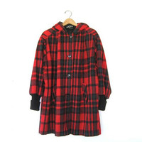 STOREWIDE SALE... 80s wool coat. winter coat. plaid wool coat.