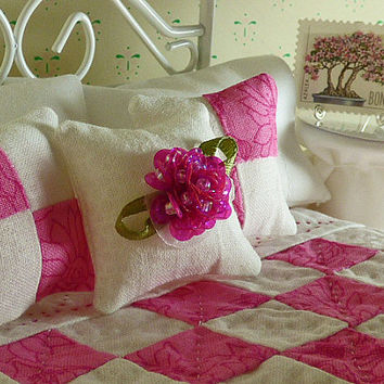 Miniature Pink & White Hand Quilted Dollhouse Quilt with Matching Decorator Pillows, 1/12 Scale, Sheet Set with Bed Pillows,Crocheted Afghan