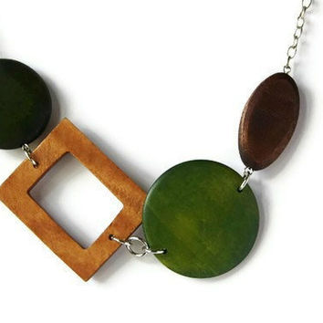 CIJ Sale 15% OFF Chunky Beaded Necklace in Brown and Green. Wood Necklace, Perfect Fall Fashion
