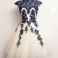 Appliques Chiffon Homecoming,Knee-Length White Homecoming Dress
