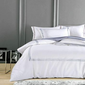 Cool Pure White Luxury Hotel Bedding sets King Queen size Silver Gold Embroidery Duvet cover Cotton Bed sheet linen set Pillow coverAT_93_12