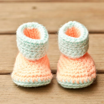 Crochet Baby Booties - Peach Mint Baby Shoes - Newborn Baby - Gender Neutral - Carter Inspired