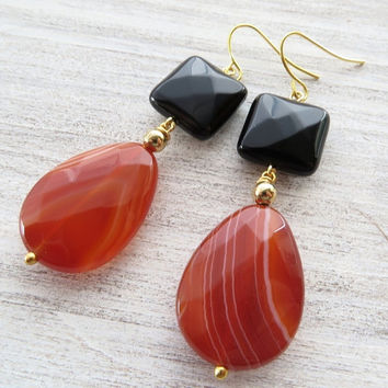 Orange agate earrings, black onyx earrings, drop earrings, dangle earrings, gemstone jewelry, spring jewelry, mother's day gift, gioielli