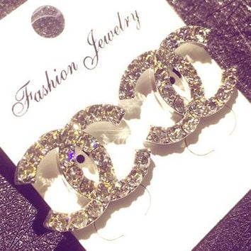 Chanel temperament earrings with simple student earrings full of female personality ear clip