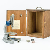 Vintage Mid Century School Microscope with Box / General Science Company
