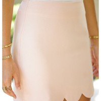 Blush woven skirt with scallop bottom | Evie | escloset.com