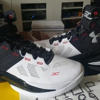 Under Armour UA Curry 2 Two Iron Suit And & Tie White Silver Black 1259007-101