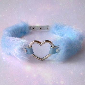 Kawaii Lolita Heart Choker Collar, Pastel Goth Necklace, DDLG, Baby Blue Goth Choker, Fairy Kei Cosplay Gyaru Choker, Faux Fur, PU Leather