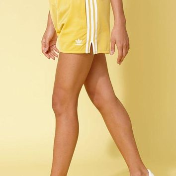 DCCKJH6 adidas Adicolor Yellow 3-Stripes Shorts