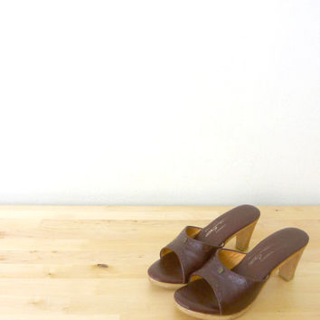 Vintage Etienne Aigner Shoes / Wooden Heel Sandal / Red Leather Sandals 7 7.5