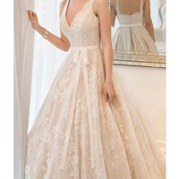 2014 New Spaghetti straps A-line bridal wedding dress V-neck lace applique party dress formal evening dress Cathedral gown