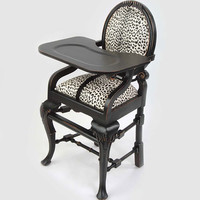 Oval Highchair in Leopard