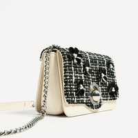 CROSSBODY BAG WITH INTERCHANGEABLE FLAP DETAILS