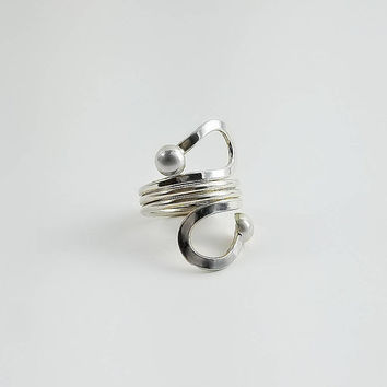 Sterling Wrap Ring - Silver Swirl Ring Size 6 - Sterling Loop Ring - Silver Ball Wrap Ring
