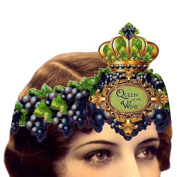 Heart the Moment Queen of the Wine Wearable Greeting Card/Tiara