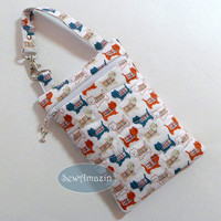 Westie Terriers in Sweaters Quilted Zipper Case, Padded Device Pouch