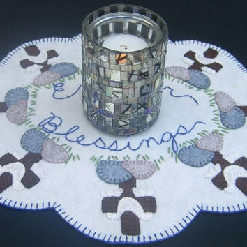 Easter Blessings Candle Mat/Penny Rug Pattern with Wool Kit