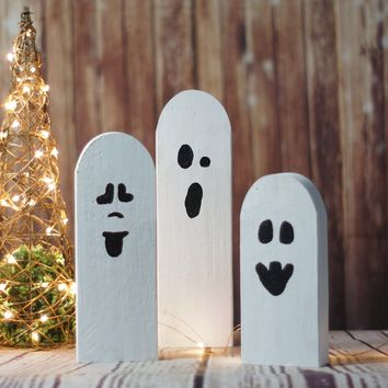 Reclaimed Wood Primitive Halloween Ghosts