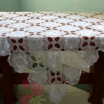 vintage crochet table cover/ Crochet table cover/ so delicate and rare