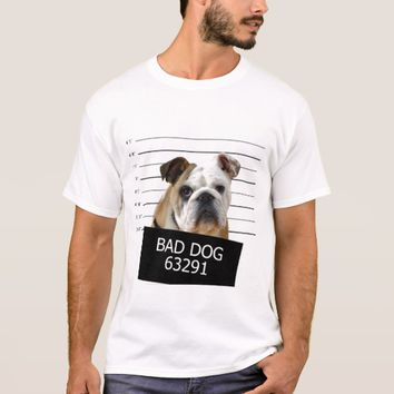 Bed dog - bulldog T-Shirt