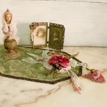 Vintage Green Rose brocade centre table runner Shabby chic ornamented doily French damask centre table home decor
