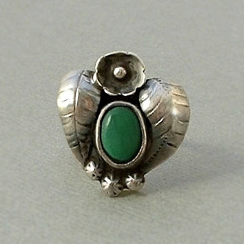 FRED HARVEY Era Ring Old Pawn Antique Native American Ring HEART Shape Leaves Flower Green Malachite Sterling Silver Size 7 circa 1930's