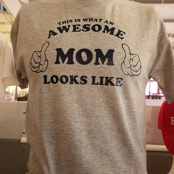 This is what an awesome mom looks like.
