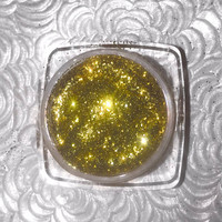 Shade name ( Fizz ). Brilliant chartreuse green loose glitter pigment. 4 grams of product in a jar with sifter and seal.