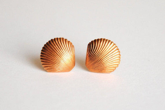 Vintage Shell Earrings - Summer Fashion - Graduation Jewelry - Free Shipping in the US