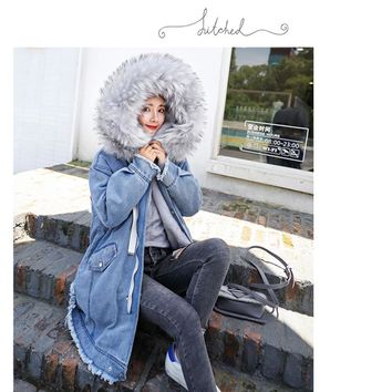 Trendy Preself New 2018 Winter Coat Denim Jacket Women Thick Loose Fuax Fur Collar Harajuku Long Jacket Female Denim Coat AT_94_13