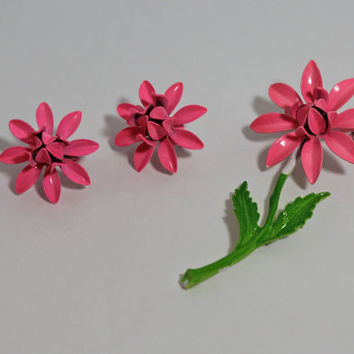 Vintage Pink Floral Brooch Earring set clip on earrings ladies costume jewelry summer style