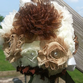 Bridesmaids or Flower Girl Pom, adorable for your rustic wedding!